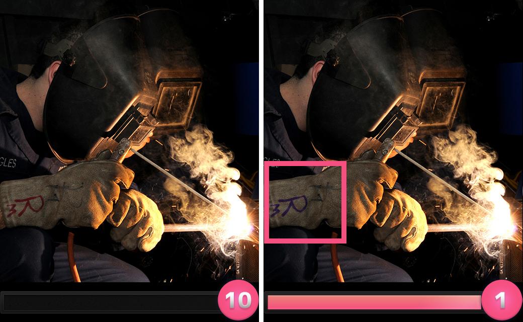 正解は「手袋の文字の色が赤から紫に変わっていた。」でした。